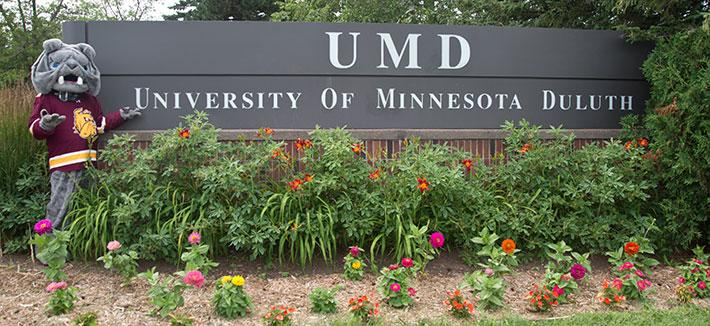 UMD Sign with Champ